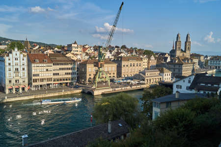 projekt: View over Zurich, Switzerland from the Lindenhof. With the Art Projekt the port crane.