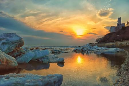 lejano oriente: la deriva de hielo en el río Amur. Extremo Oriente, Khabarovsk, Rusia Foto de archivo