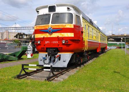 motor de carro: Tren diesel DR-1 vagón. Museo de material ferroviario. Baránovichi. Belarús