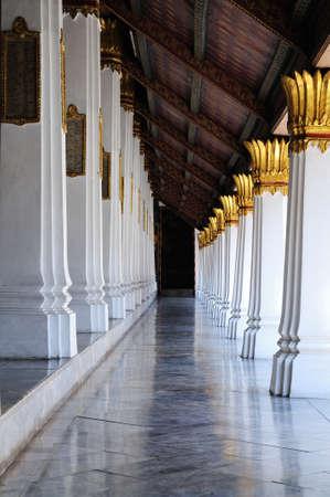 Temple walkway in wat phra keaw, Bangkok Thailand Stock Photo