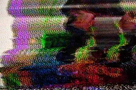 悪い信号の受信によって引き起こされる静的なノイズとテレビの画面 写真素材