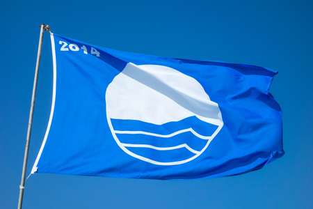 distinguishes: Blue flag that distinguishes the best beaches in Europe, 2014