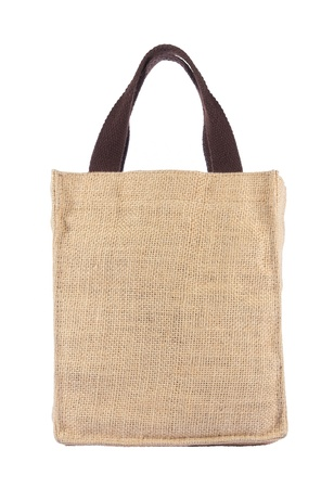 sacco juta: Shopping bag realizzata in tela di iuta riciclata sacco di formare su sfondo bianco Archivio Fotografico