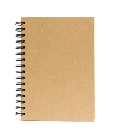 Papier recyclé couverture vierge devant ordinateur portable sur fond blanc. Banque d'images - 15115416