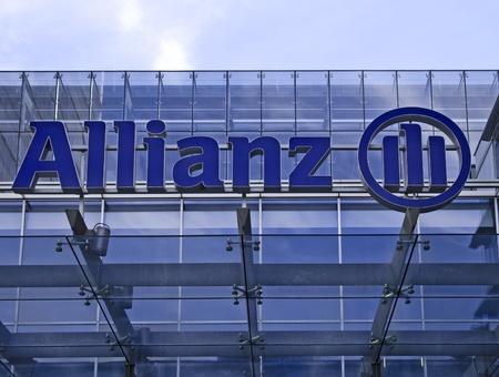 フランクフルト ・ アム ・ マイン, ドイツ、2011 年 11 月 2 日: アリアンツ生命保険 (アリアンツ ・ グループ) の枝