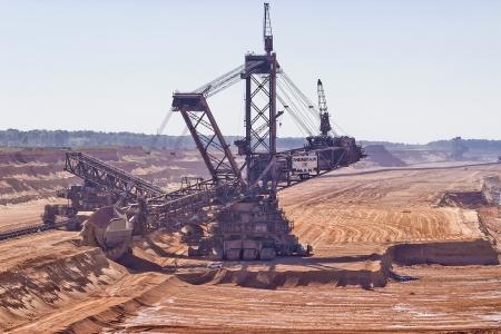 Berendorf、ドイツ ・ ノルトライン ヴェストファーレン州、2012 年 9 月 7 日: の巨大なバケット ホイール掘削機、露天掘りで鉱山のノルトライン = ヴ