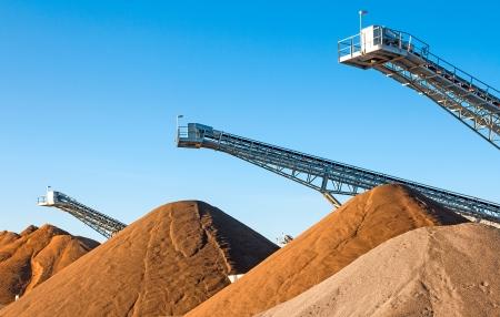 cinta transportadora: Industria minera Foto de archivo