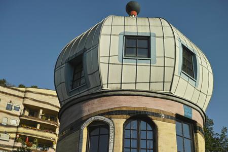 ダルムシュタット, ドイツ - 2015 年 8 月 31 日: Waldspirale キューポラ アパート複合ビル、F. フンデルトヴァッサー建築 HM 春男完成品は 2000th で designet