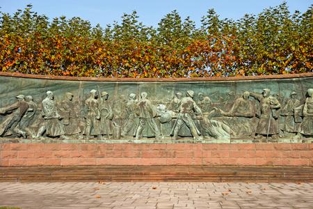 エッセン、ドイツのティッセン クルップの本部の前にエッセン, ドイツ - 2015 年 11 月 1 日: 記念碑