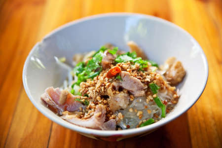 Thaise pittige noodle in Thailand