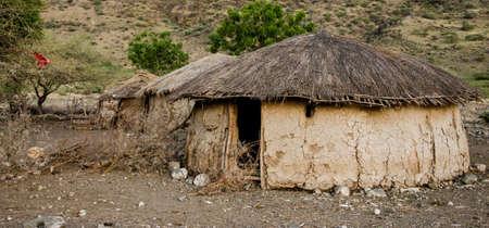 excrement: tradizionale capanna Masai fatta di escrementi di mucca