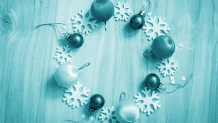 Christmas gifts and decorations on the table. Decorative element Imagens