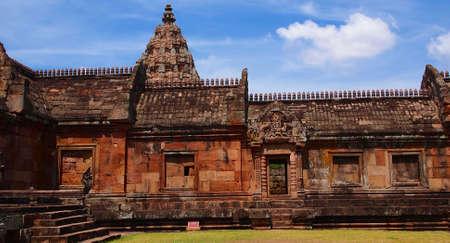 blu sky: Phanomrung Stone Castle,THAILAND-Castle Stone Rocks Khmer Art : Ancient Stone Phanomrung Castleon April Rocks Khmer Art,2012 in Buriram,Thailand. Editorial