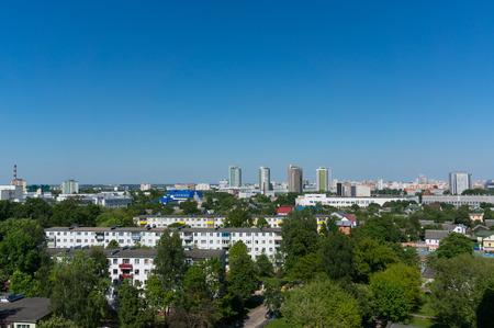 夏ミンスク街並み青空の下。