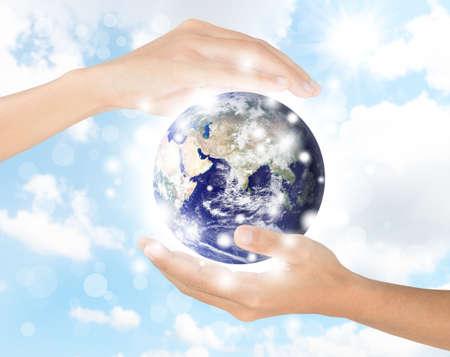 hand te beschermen aarde milieu, Stockfoto