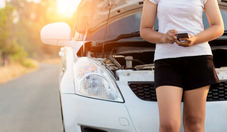 ploblem: woman call assistance service after her car has a ploblem