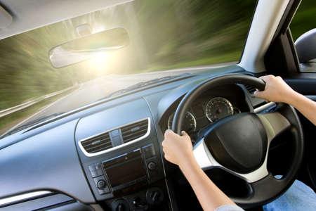 prędkość poruszania się wewnątrz samochodu widok