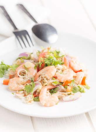 close-up spicy shrimp salad angle view 免版税图像