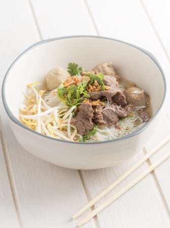 noodle in bowl on white table perspective angle view 免版税图像
