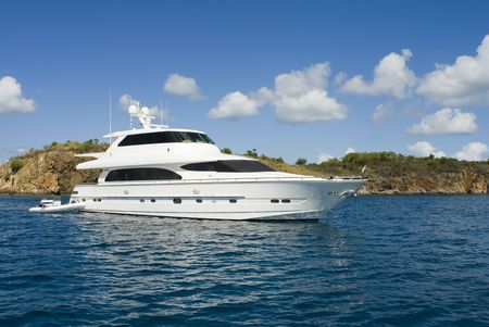 A luxury yacht anchored in the Caribbean. Imagens