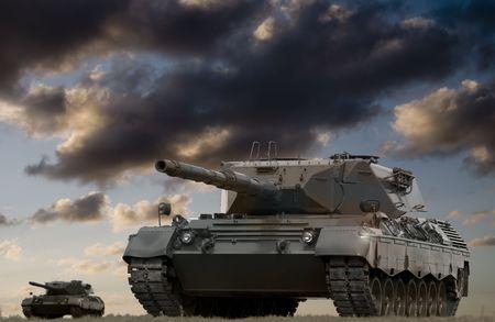 적과의 교전을 준비하는 유럽식 주 전투 탱크. 스톡 콘텐츠