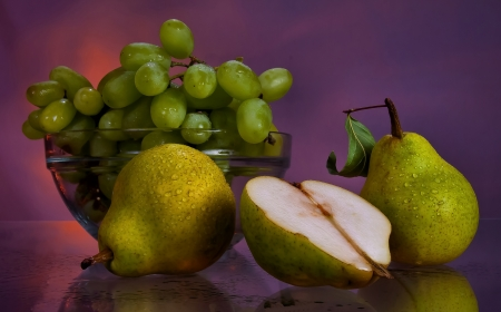 Pears and Grapes Stock Photo - 15114356