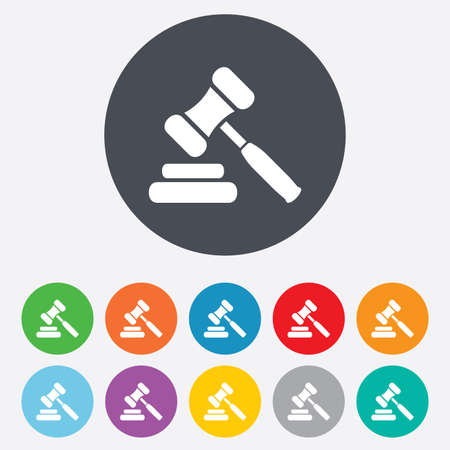 Auction hammer icon. Law judge gavel symbol. Round colourful 11 buttons. Vector Ilustração
