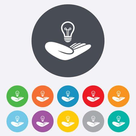 patente: Idea signo seguro de patentes. La mano sostiene el s�mbolo de la bombilla de la l�mpara. Propiedad Intelectual. Ronda de colores 11 botones. Vector