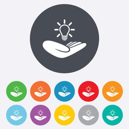 Idea assicurazione brevetti segno. Mano tiene simbolo lampadina. Proprietà Intellettuale. Rotondi colorati 11 pulsanti. Vettore