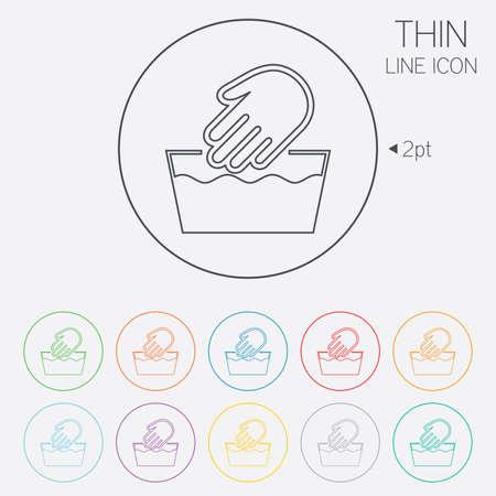 washable: Mano icono de la muestra de lavado. No m�quina s�mbolo lavable. Iconos de web de c�rculo finas l�neas con contorno. Vector
