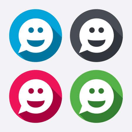 persona feliz: Sonrisa cara icono de signo. Feliz s�mbolo de chat sonriente. Burbuja de di�logo. Botones de c�rculo con larga sombra. 4 iconos conjunto. Vector