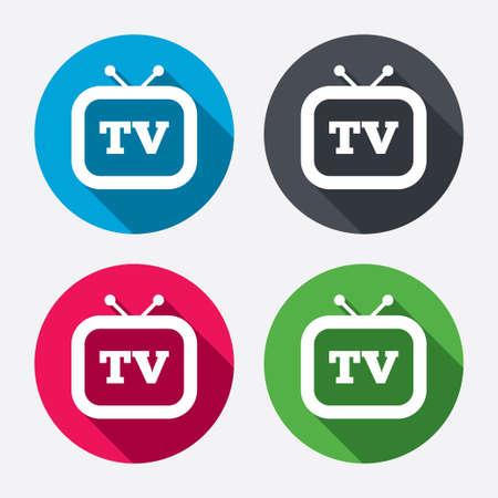 set de television: Retro TV icono de la muestra. Televisi�n s�mbolo. Botones de c�rculo con larga sombra. 4 iconos conjunto. Vector