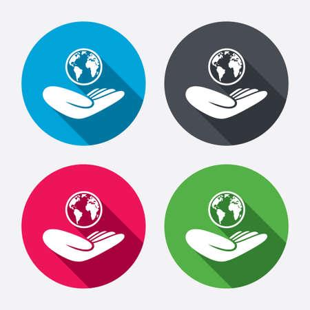 paix monde: Signe d'assurance mondiale. Main tient symbole de la plan�te. Voyage d'assurance. Paix mondiale. boutons cercle avec une longue ombre. 4 icons set. Vecteur Illustration