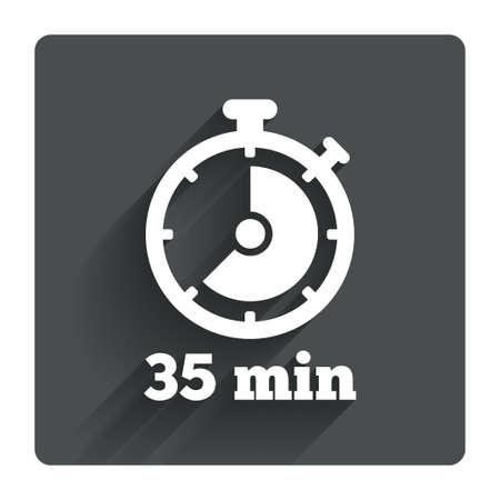 타이머 기호 아이콘입니다. 35 분 스톱워치 기호. 그림자와 함께 회색 평면 사각형 단추입니다. 현대 UI 웹 사이트 탐색. 벡터