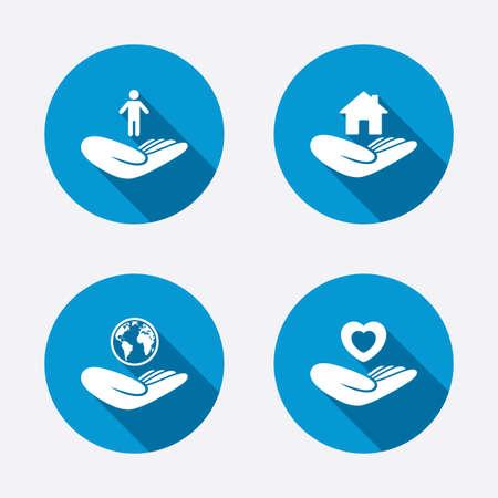 Helfende Hände Symbole. Gesundheit des Herzens und reise Versicherungs Symbolen. Startseite Haus oder Immobilien-Zeichen. Konzept kreis Web-Schaltflächen. Vector Illustration