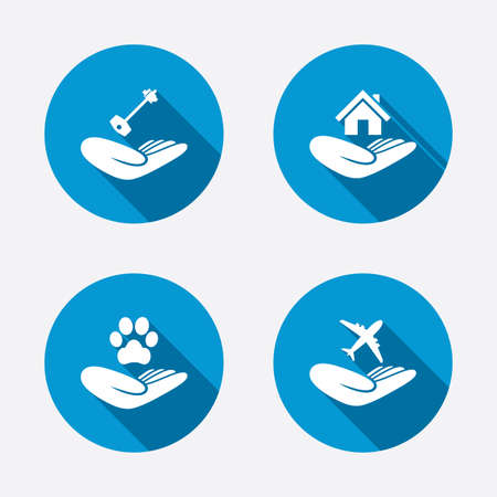 seguro: Ayudar a manos de los iconos. Refugio para perros símbolo. Vivienda o casa de bienes raíces y los signos clave. Seguro de viaje Vuelo. Botones concepto de web de círculo. Vector