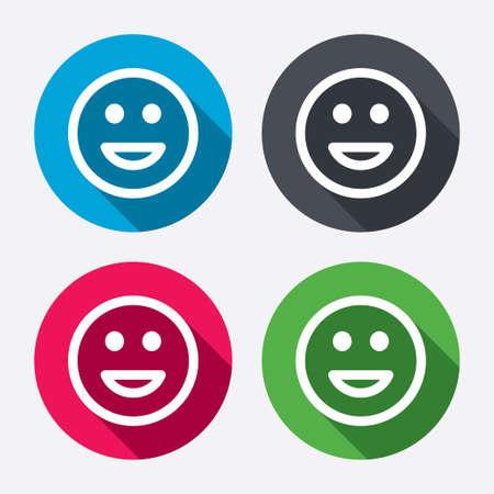 carita feliz: Icono de la sonrisa. Feliz símbolo cara de chat. Botones de círculo con larga sombra. 4 iconos conjunto. Vector