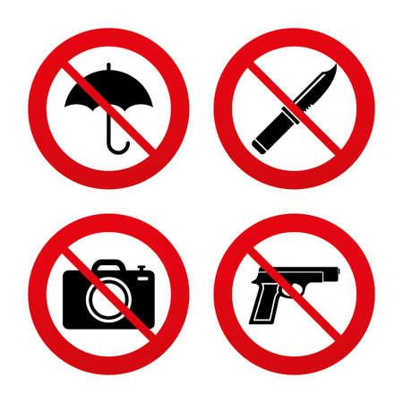 Nein, Ban oder Stoppschilder. Gun Waffe icon.Knife, Sonnenschirm und Fotokamera-Zeichen. Edged Jagdausrüstung. Prohibition Objekte. Prohibition verbotenen roten Symbolen. Vector Standard-Bild - 40161233