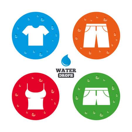 Wassertropfen auf Knopf. Kleidung Symbole. T-Shirt und Hose mit Shorts. Badehose-Symbol. Realistische reine Regentropfen auf Kreisen. Vektor Standard-Bild - 42330624