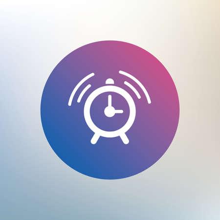 despertarse: Despertador signo icono. Despierta símbolo de alarma. Icono en el fondo borroso. Vector