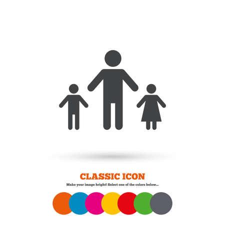 Familia monoparental con dos hijos icono de la muestra. Padre con el hijo y la hija símbolo. icono plano clásico. círculos de colores. Vector Foto de archivo - 43773191