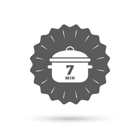 stew: Vintage emblem medal. Boil 7 minutes. Cooking pan sign icon. Stew food symbol. Classic flat icon. Vector Illustration