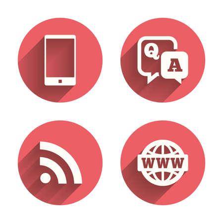 control de calidad: icono de pregunta respuesta. Smartphone y Q & A de chat de voz símbolos de burbujas. Internet globo en RSS y signos. Rosa comunicación circunda botones planos con la sombra. Vector