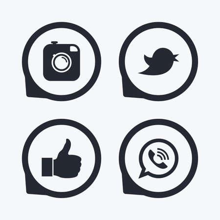 Hipster fotocamera pictogram. Like and Call speech bubble sign. Vogel symbool. Social media iconen. Platte pictogramwijzers.