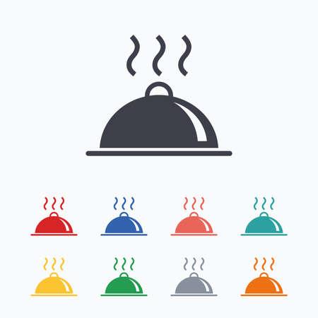 Eten schotel serving teken icoon. Lijst die in het restaurant symbool. Hot warme maaltijd. Gekleurde vlakke pictogrammen op een witte achtergrond.