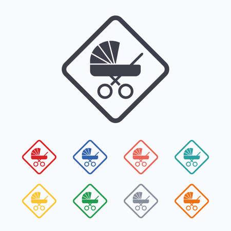 bebe a bordo: Beb� a bordo icono de la se�al. Infantil en s�mbolo de precauci�n coche. carro de cochecitos de beb�. iconos planos de colores sobre fondo blanco. Vectores