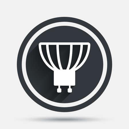 enchufe de luz: icono de la bombilla. Lámpara GU10 símbolo socket. Dirigido o señal de luz halógena. botón plano círculo con sombra y la frontera. Vector Vectores