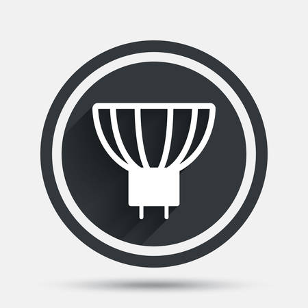 enchufe de luz: Light bulb icon. Lamp GU5.3 socket symbol. Led or halogen light sign. Circle flat button with shadow and border. Vector Vectores