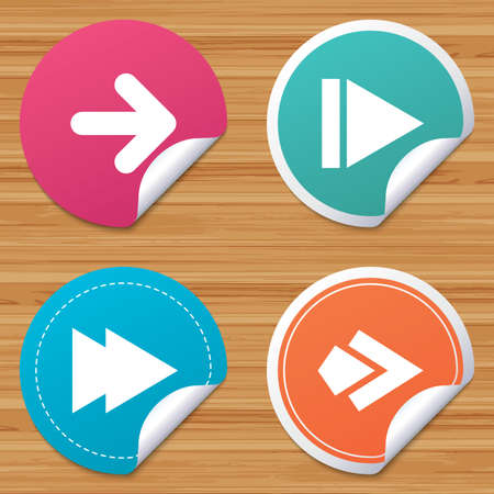 bended: Round stickers or website banners. Arrow icons. Next navigation arrowhead signs. Direction symbols. Circle badges with bended corner. Vector