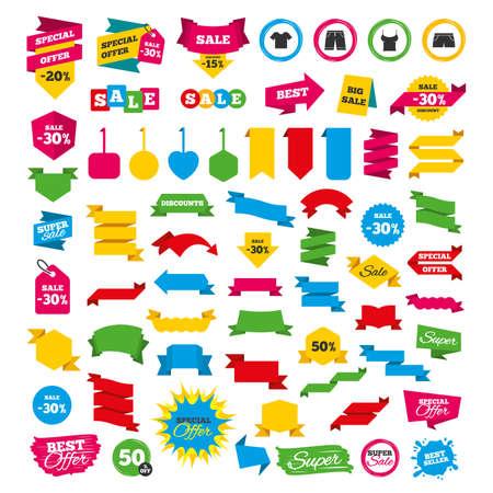 Web-Banner und Etiketten. Sonderangebot-Tags. Kleidung-Icons. T-Shirt und Bermuda-Shorts Zeichen. Symbol für Badehose. Rabatt-Aufkleber. Vektor Standard-Bild - 75150675